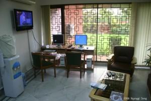 깔끔한 한국 대사관 내부 모습